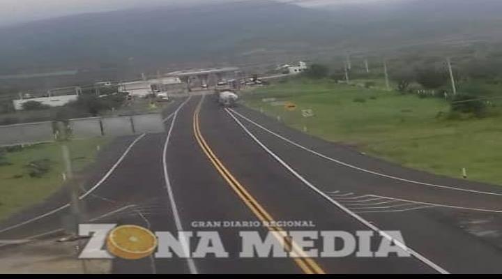 Debieron cerrar la  autovía tras riesgo