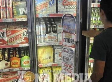 VENDEN ALCOHOL A LOS MENORES