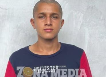 Omar debutó en  tercera división