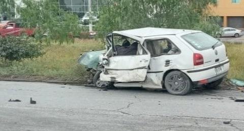 Aparatoso choque entre 3 vehículos