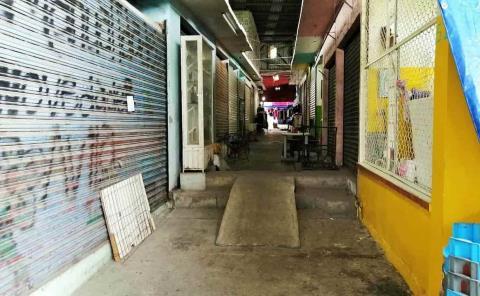 Mercado Valles 85 en total abandono