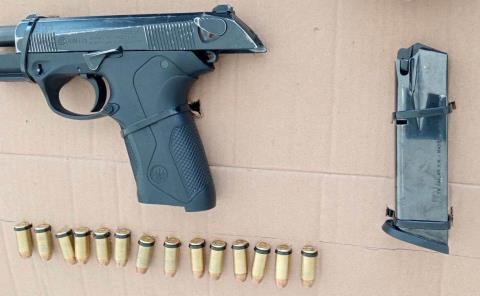 Capturan a sujeto con arma de fuego