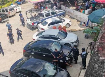 Los policías exigen pago del aguinaldo