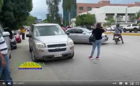 Bloquean bulevar México Laredo