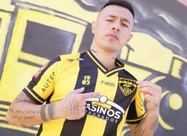 Forma parte del equipo Chileno Fernández Vial