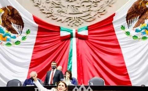 Colocar a Felipe Ángeles en los muros de honor