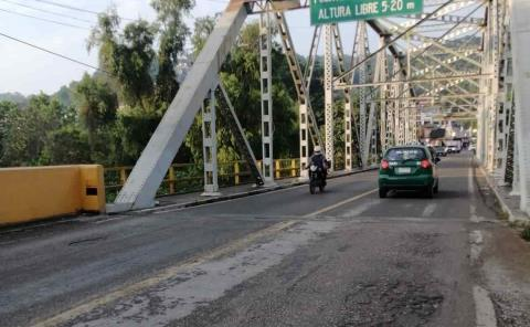 Tras 87 años... puente metálico, agrietado