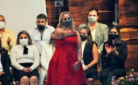 Ena Avendaño rindió protesta