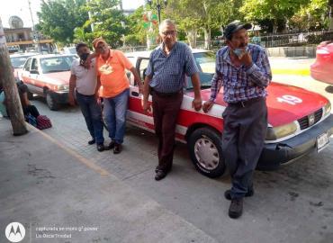Taxistas hartos delTransporte Público