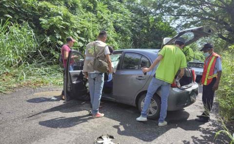 Deja aparatoso choque 3 heridos en La Providencia
