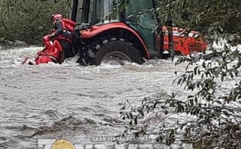 Tractorista rescatado