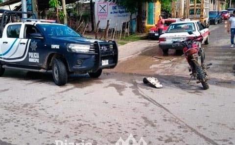 Motociclista chocó contra un taxista