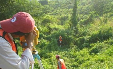 Trazan topógrafos la vía; libramiento de Tamazunchale será una realidad