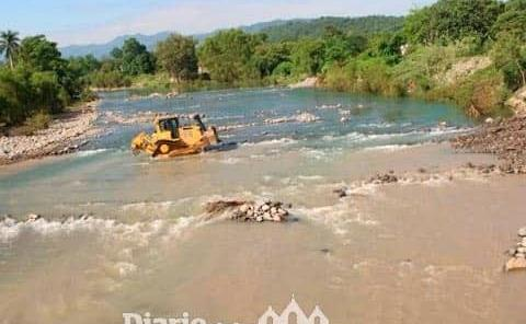 Despejan el río en Zacayahualt