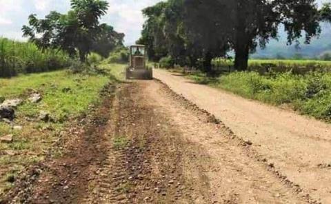 Solicitan cañeros mejorar caminos