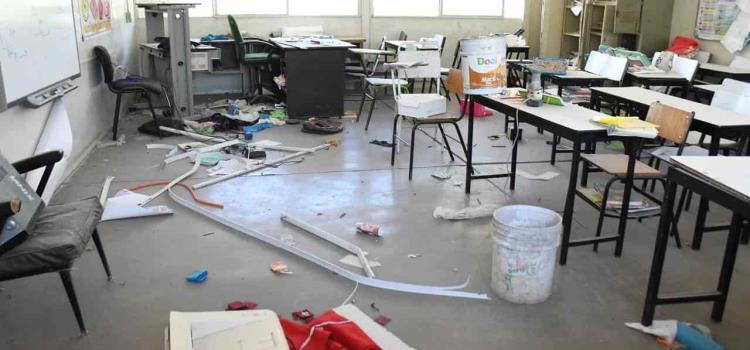 Son más de 400  escuelas dañadas