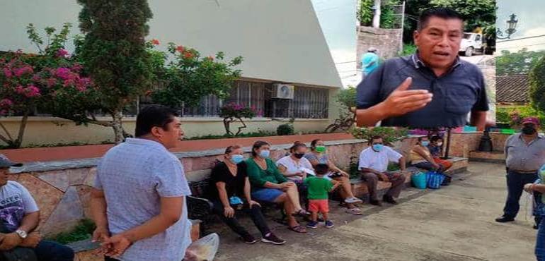 Felipe Juárez intenta sobornar a delegados