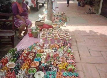 Pocos vendedores de tarros y ollas
