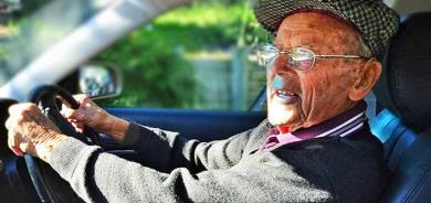 Retirarían licencia a adultos mayores